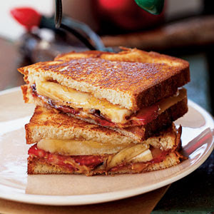 VEGAN TICKLES: GRILLED PEANUT BUTTER AND BANANA SPLIT SANDWICH