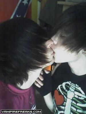 bisexual emo guys