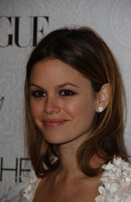 Rachel Bilson is a huge fan of the La Mer skin care line.