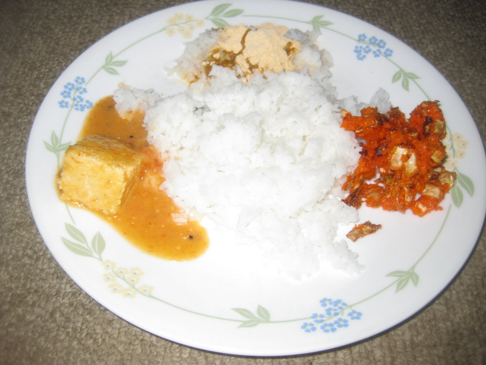 Divya\'s Recipes: Paneer Masala Gravy(Jinnu Besaru)