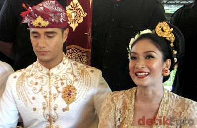 happy salma menikah di bali