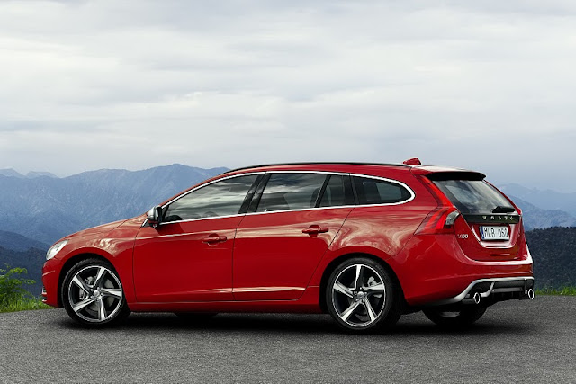 2011 Volvo V60 R-Design - Rear Side View