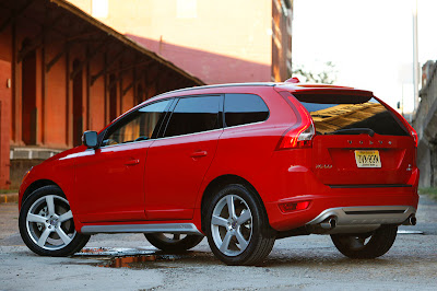 2011 volvo xc60 r design rear side view 2011 Volvo XC60 R Design