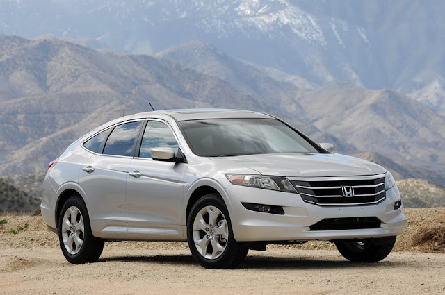 2011 honda accord crosstour front side view 2011 Honda Accord Crosstour