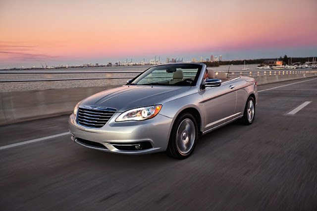 2012 chrysler 200 convertible front angle view 2012 Chrysler 200 Convertible