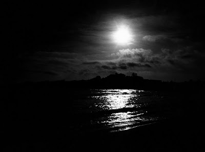 http://4.bp.blogspot.com/_IP_N9_TbUEw/TUtZvffJKKI/AAAAAAAAAhI/h-rStkIZFmE/s1600/a_dark_morning_sky.jpg