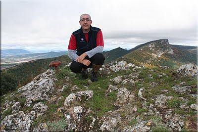 Santa Ana mendiaren gailurra 1.042 m.  -  2009ko urriaren 24an