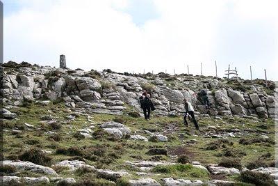 Pequeña grada rocosa antes de la cima