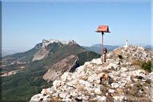 Buzones y vértice en la cima de Peñalta