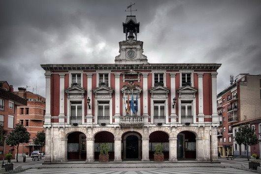 Ayuntamiento en un dia gris (por el tiempu).