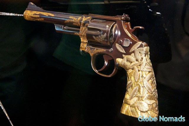 smith & wesson revolver decorated by Tiffany and Co.