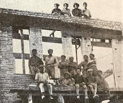 הבנאים בבתי צ'לנוב חיפה 1922 טוקר עומד ראשון משמאל