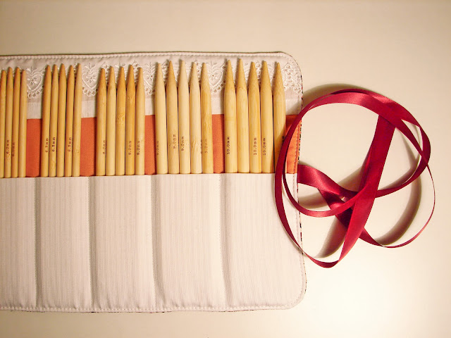 Knitting Needle Roll Pattern : My little nook: Knitting needles roll tutorial