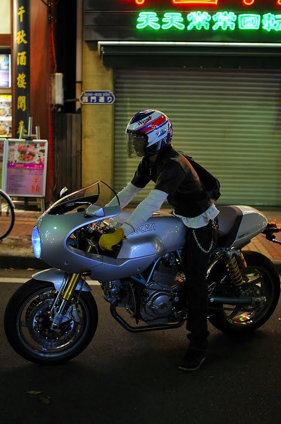 [2009-09-16-大桟橋D300_DSC5838.jpg]