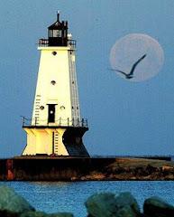 La luna sfuma, lascia il passo alla nuova alba