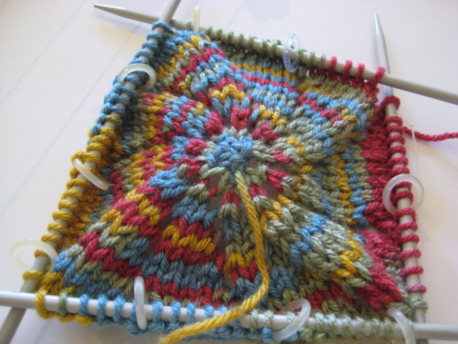 Dominant Hands: My Knitting Circles Knit-Along: Pinwheel Blanket