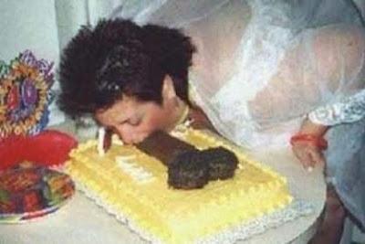 [Image: erotic-cakes17.jpg]