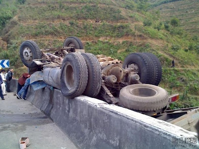 Luck-Truck-Driver-in-China