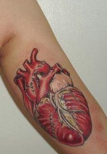 Vejam 57 tatuagens científicas