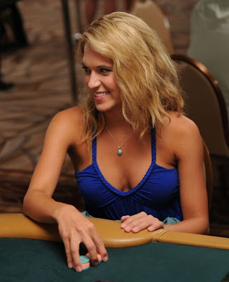 girls and poker