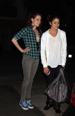 Kristen Stewart  Nikki Reed Dating on Catt S Commentary  Kristen Stewart And Nikki Reed Arrive Home