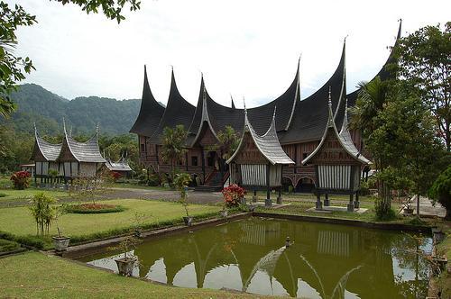 Rumah Adat Tradisional : Rumah gadang