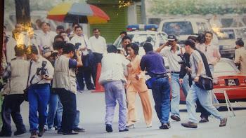 Diburu oleh Paparazi Malaysia