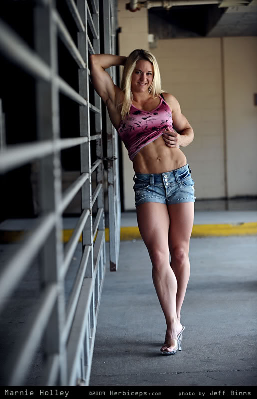 Omaha Female bodybuilders images and pictures