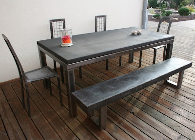 Table beton com table de salle manger b ton for Grande table design