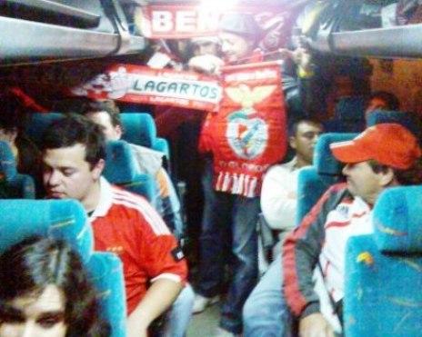 Comemoração dos 4-0 a Académica já no caminho para Coimbra