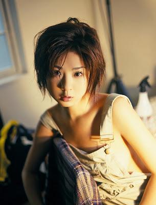 Aki Hoshino_39