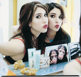 JESSICA ORIGLIASSO & LISA ORIGLIASSO (The Veronicas)
