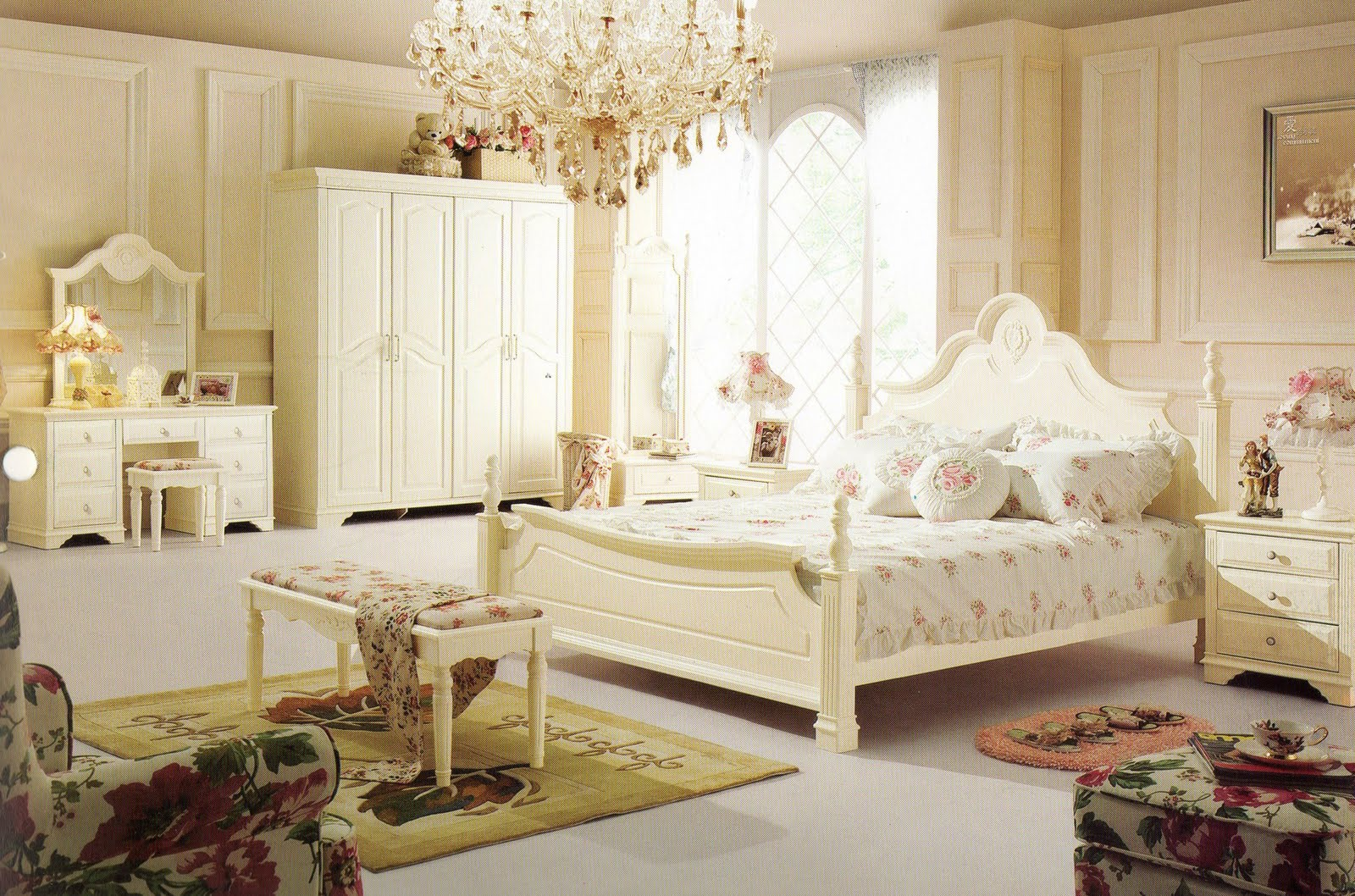 French Style Bedrooms Ideas Via