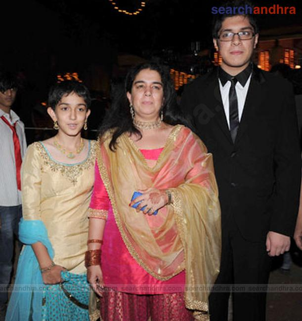 imran khan actor and avantika marriage - photo #12