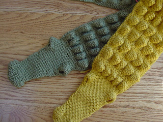 Free Knitting Pattern For Alligator Scarf : FREE KNITTING PATTERN FOR ALLIGATOR SCARF   KNITTING PATTERN