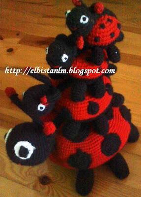 örgü oyuncak uğur böceği
