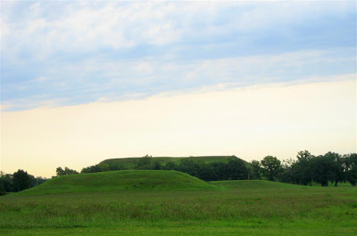 Cahokia Mounds Indians http://travelingdancers.wordpress.com/category/cahokia-indian-mounds/
