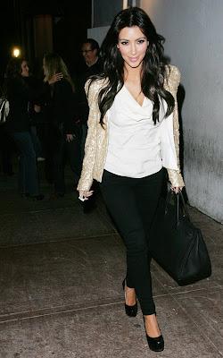 Kardashian Blazer on Am In Love With The Sequin Blazer Kim Kardashian Was Wearing A Few