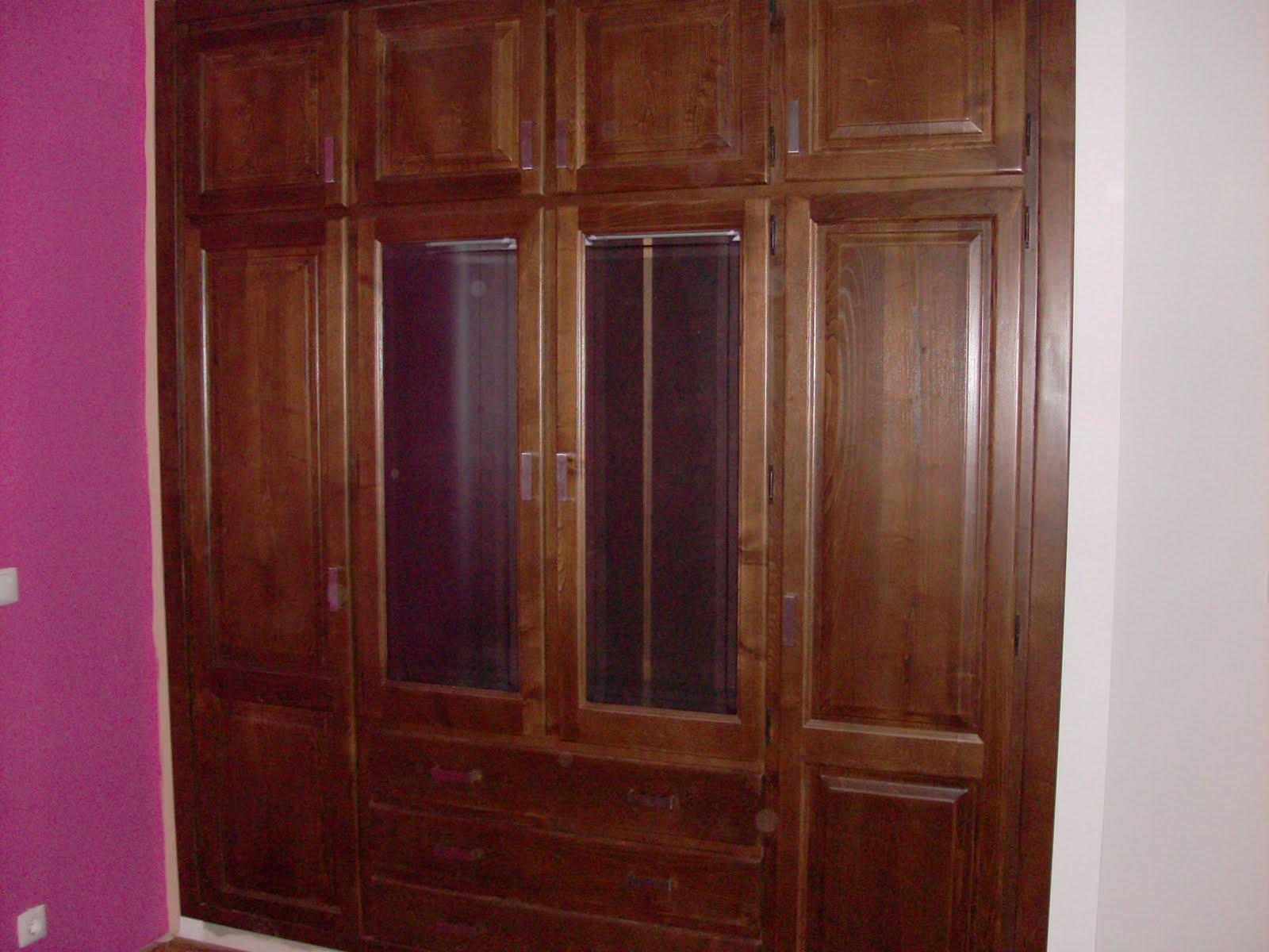 #401714 Móveis Alegre Torres Lda: Roupeiros linha rústica 1432 Reparação Vidros Janelas