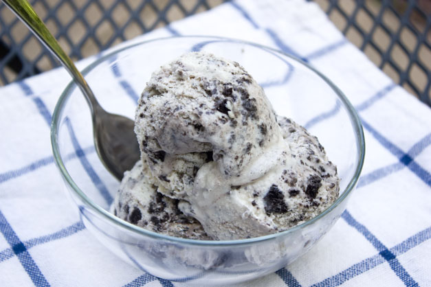Erica's Sweet Tooth » Cookies and Cream Ice Cream