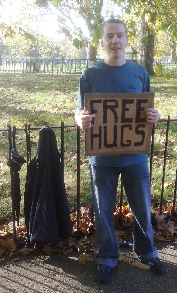 [hugs.jpg]
