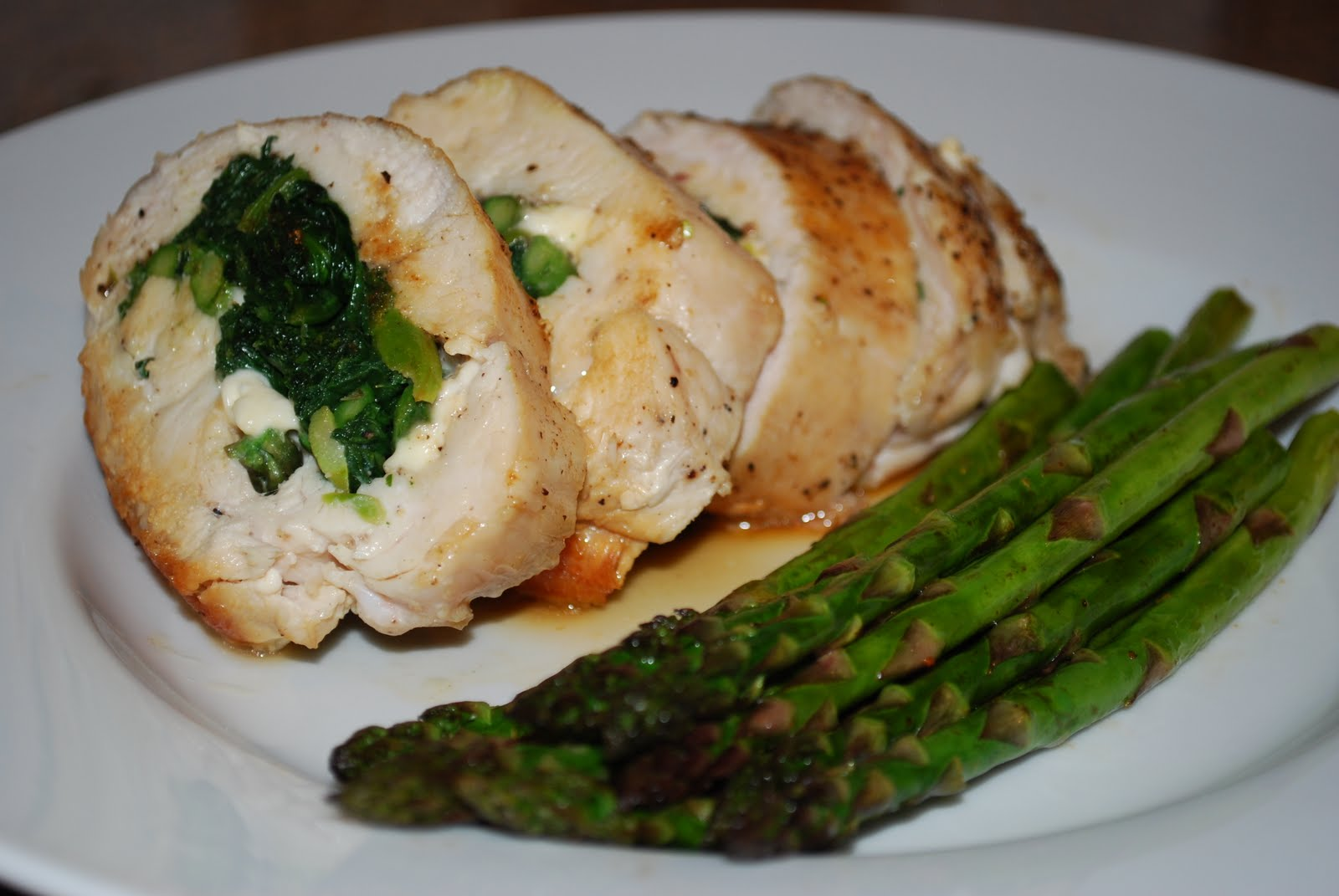Jen's Gone Paleo: Stuffed Chicken Breast w/Spinach and Asparagus