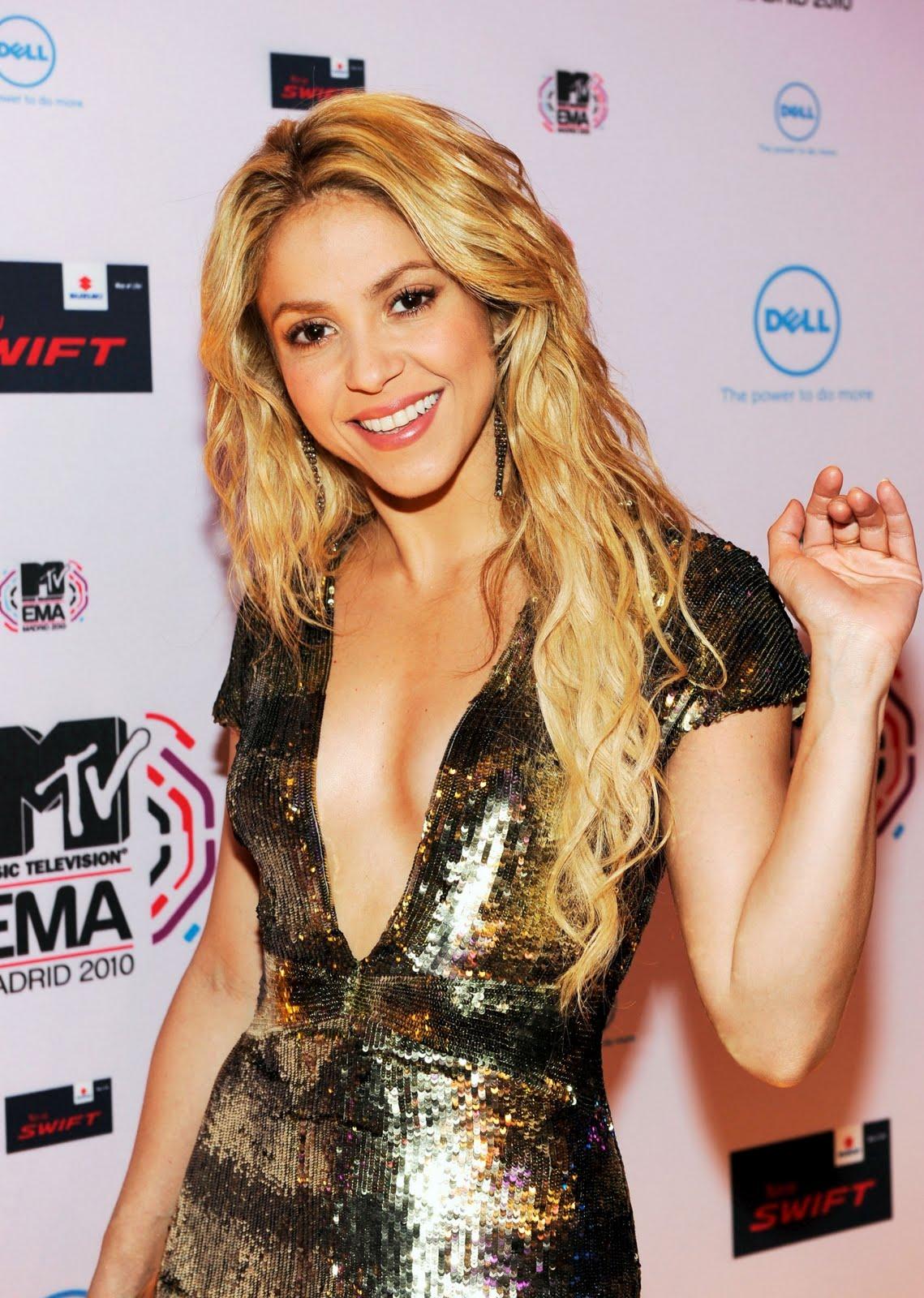 http://4.bp.blogspot.com/_ImioM_zH-NY/TNhjOS7Ya7I/AAAAAAAAAwc/QMqOD7w9_3Y/s1600/Shakira-4.jpg