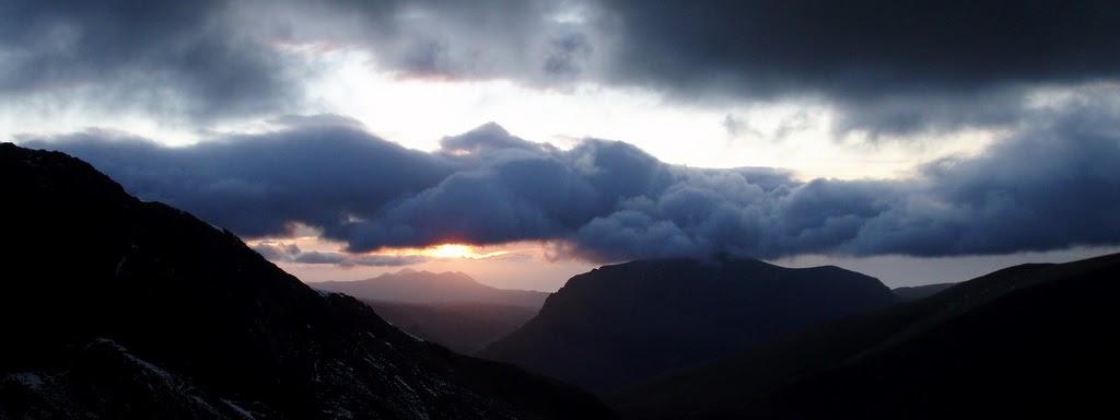 Sarah's Blog of Running: Snowdon Sunset in the Snow