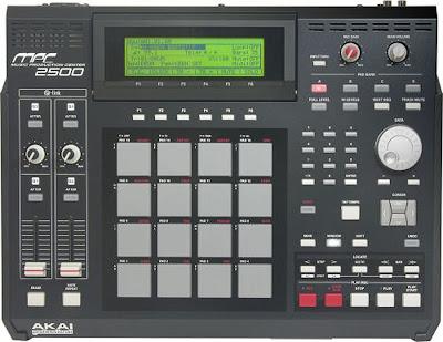 Akai MPC2500 music production center