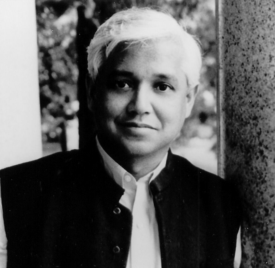 amitav ghosh essay Post-colonial melancholy: an examination ofsadness in amitav ghosh's the shadow lines the article undertakes a study on melancholy and sadnessin amitav ghosh's the shadow lines , concentrates on theforlorn figures of tridib and the narrator in an attempt to analyse and evaluate the melancholy atmosphere of the novel bearing inmind freud .