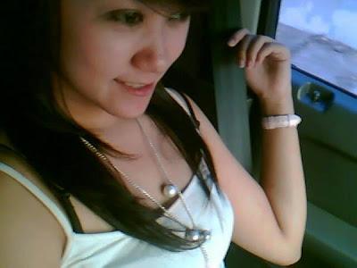 http://4.bp.blogspot.com/_Ip2lraviwjw/SbjX_flEEtI/AAAAAAAAADE/jhUMrngvThU/s400/fitri-cewek-cantik-friendster.jpg