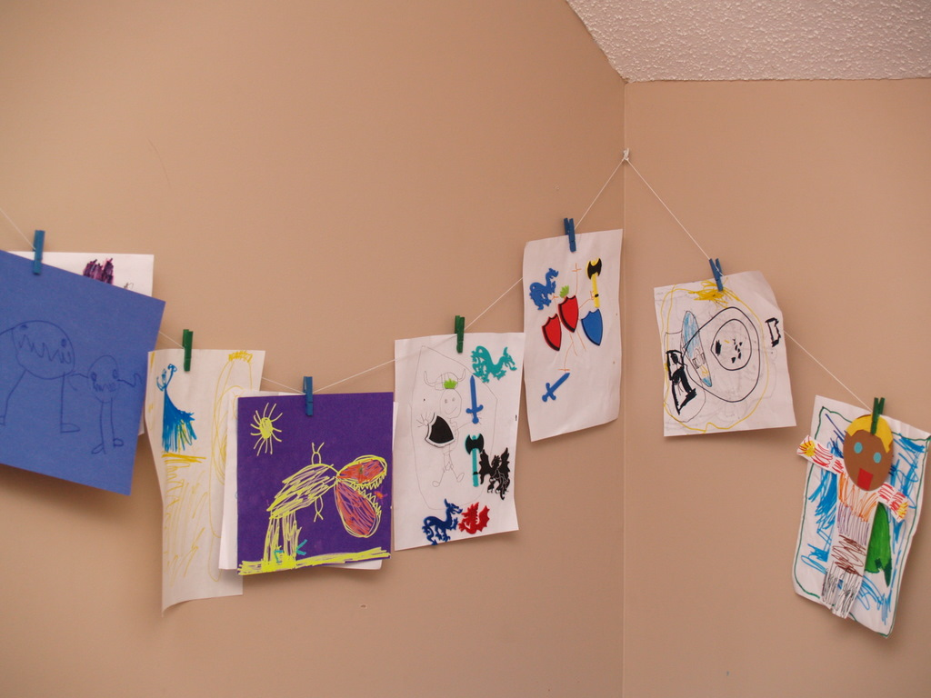 Two Cute Ways To Display Your Child S Artwork Housewife
