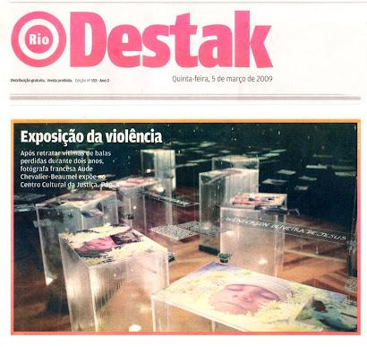 materia do jornal Destak sobre a exposição P.A.F.