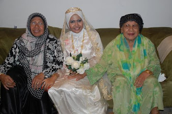 Mak Long, Najwa and Maktok Feb 2010 Photo